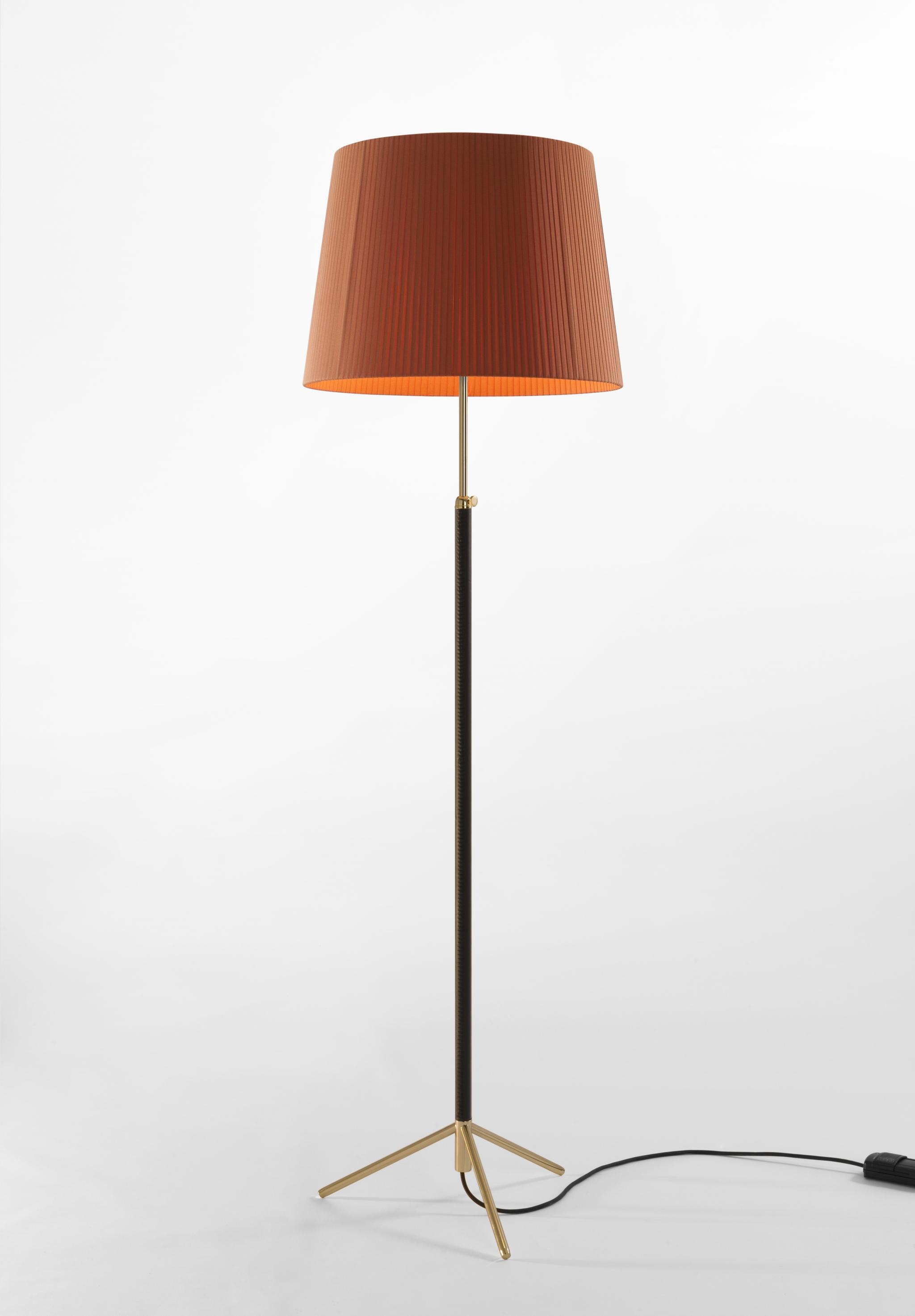 Pie de saln floor lamps jaume sans mozeypictures Choice Image