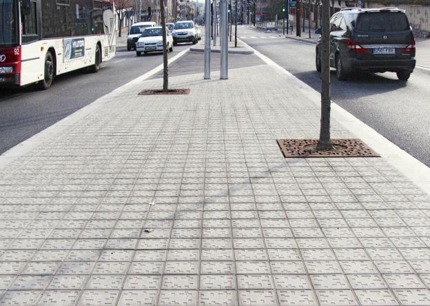 Piet mondrian pavements antoni rosell for Pavimentos roca