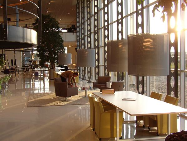 Proyectos kinnarps office furniture bv breukelen pa ses bajos santa cole - Santa cole iluminacion ...