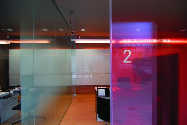 Proyectos oficinas de la caixa barcelona espa a for Horario apertura oficinas la caixa